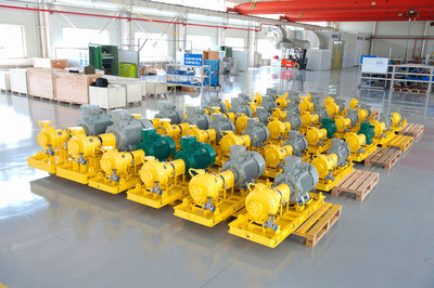 The first shipment of Sundyne sealless magnetic drive pumps in the new Tianjin, China manufacturing facility. These pumps will be utilized in chemical processing and refining industries across China.  (PRNewsFoto/Sundyne Corp.)