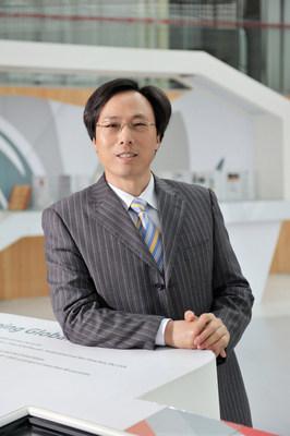Mr. Xiong, President of Wuxi Suntech Power Co., Ltd.