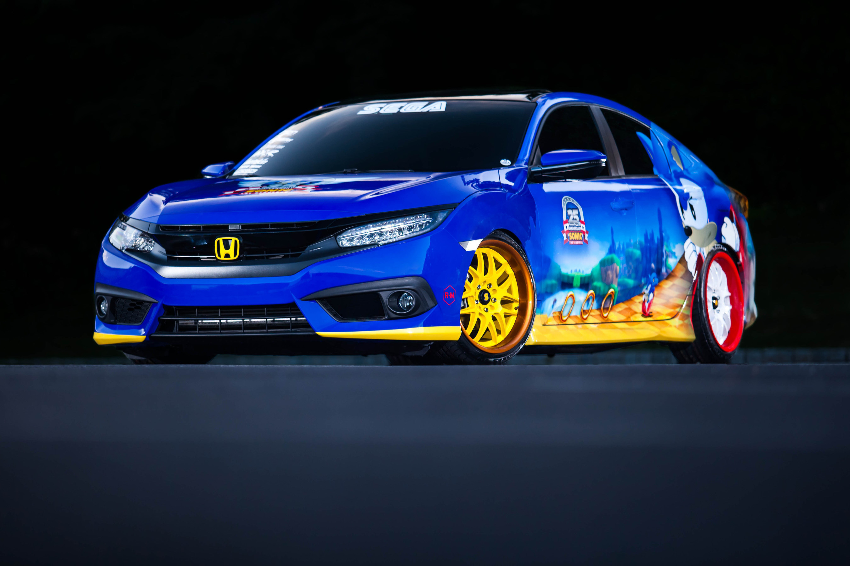 """Honda Debuts Custom-Designed """"Sonic Civic"""" at Comic-Con; Joins """"Sonic the Hedgehog(TM)"""" and SEGA(R) in Celebrating the Iconic Game's 25th Anniversary"""