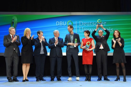 Celebrating the award together (left to right): DBU General Secretary Dr. Heinrich Bottermann, State Minister of the Environment and Consumer Protection in Bavaria Ulrike Scharf, Federal Minister for Environment, Nature Conservation, Building and Nuclear Safety Dr. Barabara Hendricks, Federal President Joachim Gauck, entrepreneur Bas van Abel, scientist Prof. Angelika Mettke, entrepreneur Walter Feeß and DBU Chairperson of the Board of Trustees Rita Schwarzeluhr-Sutter. (PRNewsFoto/DBU)