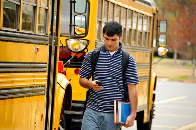 """Cricket Offers """"Back-To-School Mobile Phone Pact"""" for Parents and Students.  (PRNewsFoto/Cricket Communications, Inc.)"""