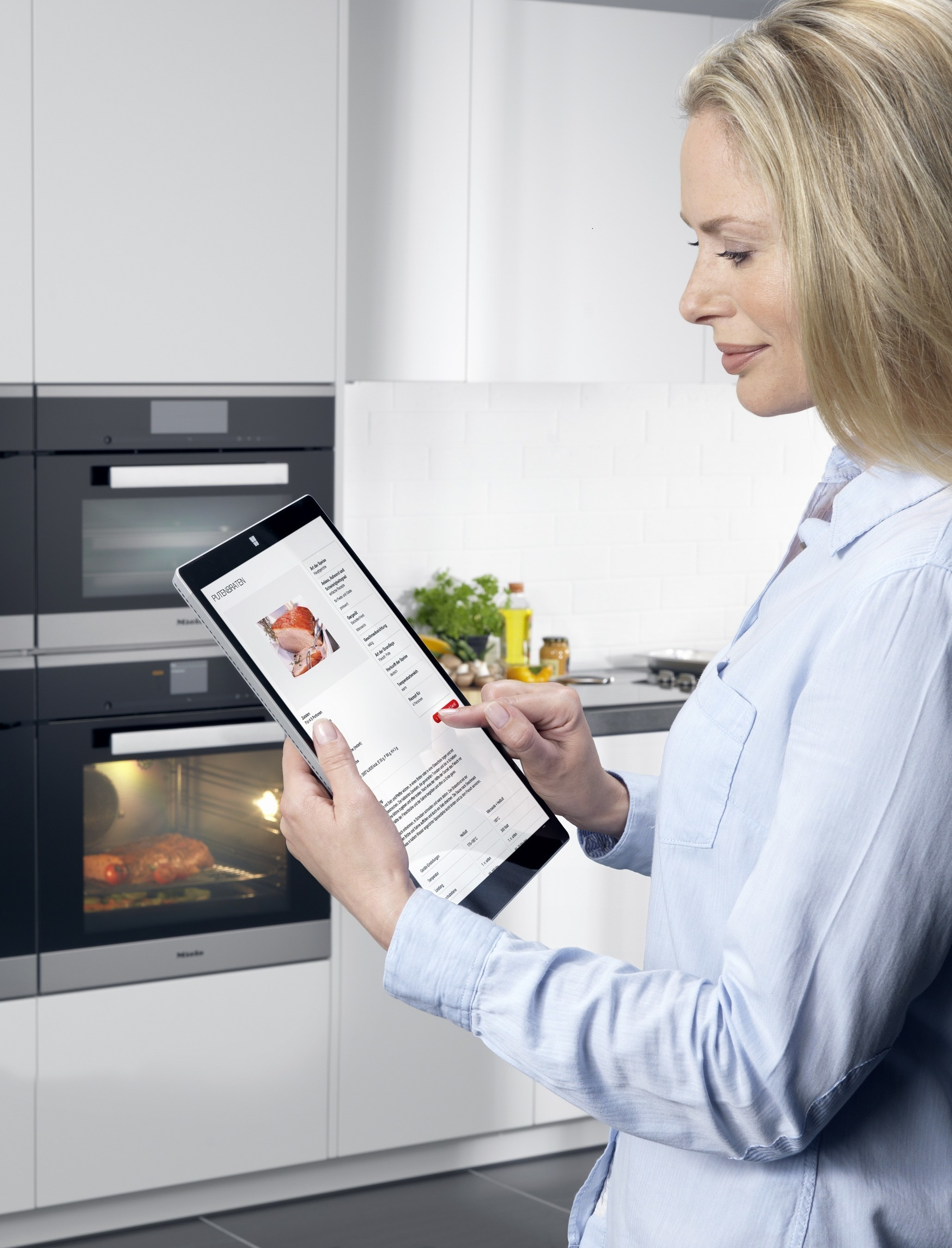 Browse a recipe on the Miele website, get the preparation steps on your tablet, and load the automatic program on your oven. The Microsoft and Miele study elevates cooking to a new level.
