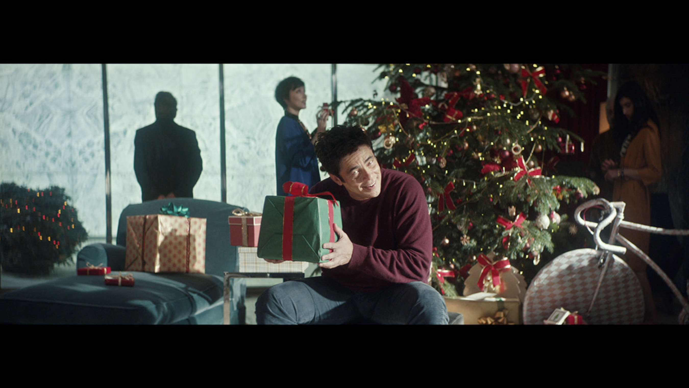 "Benicio Del Toro in Heineken's ""There's more behind the star"" Commercial"