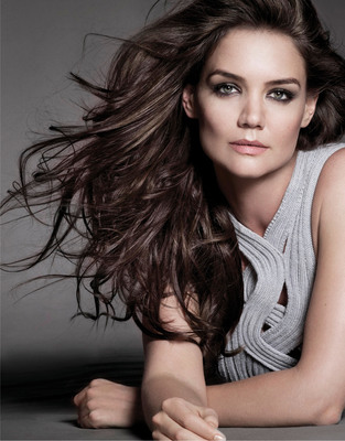 Alterna Haircare Announces Katie Holmes As Global Spokesperson And Co-Owner.  (PRNewsFoto/Alterna Haircare)