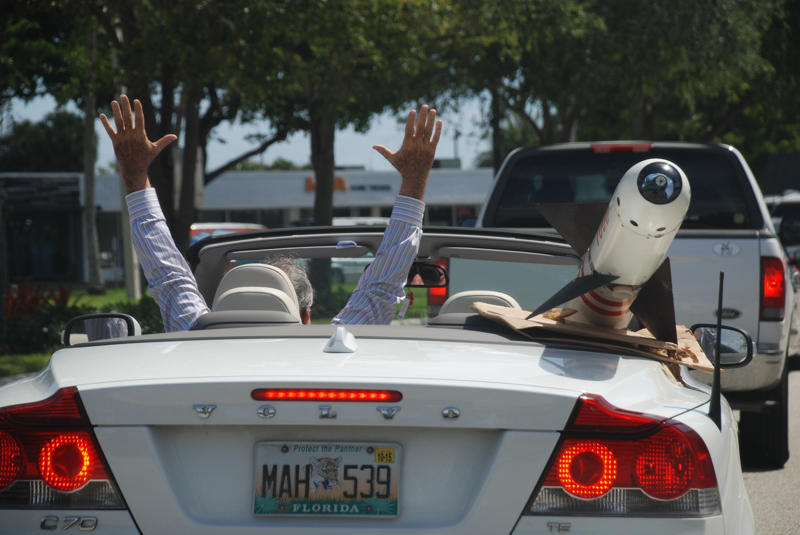 Israeli Missile Raises Motorists' Eyebrows Along US1 in South Florida, But No Alarms; What Would You Do If You Saw A Missile Sticking Out of a Topless Convertible?