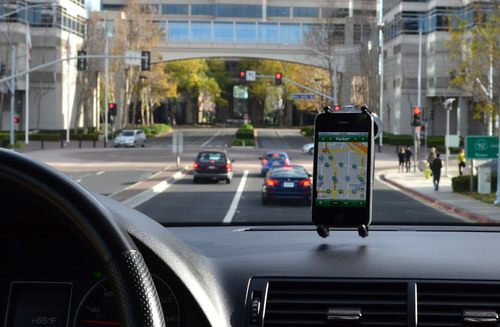 Parker guides drivers easily to open spaces.  (PRNewsFoto/Streetline, Inc.)
