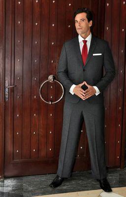 Franklin Eugene Peerless - Mailands Herrenmode H/W 2015/16 - inspiriert von Menschen, die das Unmogliche moglich machen (PRNewsFoto/Franklin Eugene International)