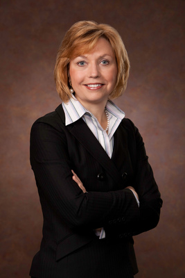 Elaine Sarsynski, Executive Vice President, MassMutual Retirement Services. (PRNewsFoto/MassMutual Retirement Services)
