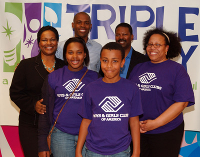The Humphries Family of Boys & Girls Clubs of Greater Washington, D.C., are congratulated (from l-r) by Leslie Billinger, The Coca-Cola Company; Dr. Ian Smith; and Wayne Moss, Boys & Girls Clubs of America (BGCA), for winning the first-ever Triple Play Fit Family Challenge. The Humphries were selected as the winner among the Challenge's three competing families for how well they incorporated the Mind, Body and Soul principles of BGCA's Triple Play program into their lives.  (PRNewsFoto/Boys & Girls Clubs of America)