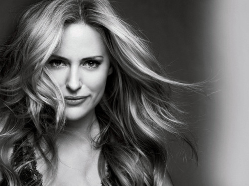 Aimee Mullins: New Global Ambassador for L'Oreal Paris.  (PRNewsFoto/L'Oreal Paris)