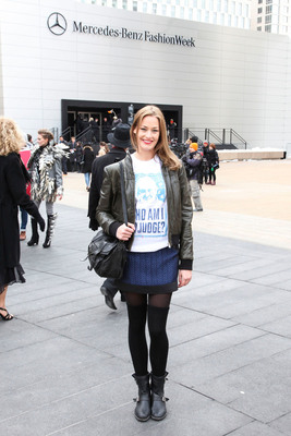 """Runway model, Hannah Herreid makes a statement outside of New York Fashion Week in """"Who Am I to Judge?"""" Pope Francis T-shirt Just say no to stereotypes by Archetypes.com. (PRNewsFoto/Archetypes) (PRNewsFoto/ARCHETYPES)"""