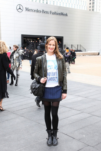 """Runway model, Hannah Herreid makes a statement outside of New York Fashion Week in """"Who Am I to Judge?"""" Pope Francis T-shirt Just say no to stereotypes by Archetypes.com.  (PRNewsFoto/Archetypes)"""