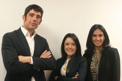 Eduardo Rubio, Sales President EF Education First, Zurich / Santuza Bicalho, Director CVC, Sao Paulo / Andrea Arakaki, Managing Director, EF Brasil (PRNewsFoto/EF Education First)