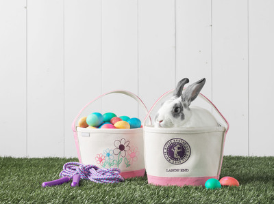 Lands' End joins the National Park Foundation to help support the 2013 White House Easter Egg Roll by providing in-kind donation of 1,000 Easter Totes.  (PRNewsFoto/Lands' End)