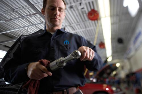 Mopar® Offers Checklist for Spring Vehicle Maintenance