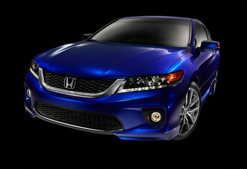 Honda Factory Performance Package Now Available for Accord Coupe V6.  (PRNewsFoto/American Honda Motor Co., Inc.)