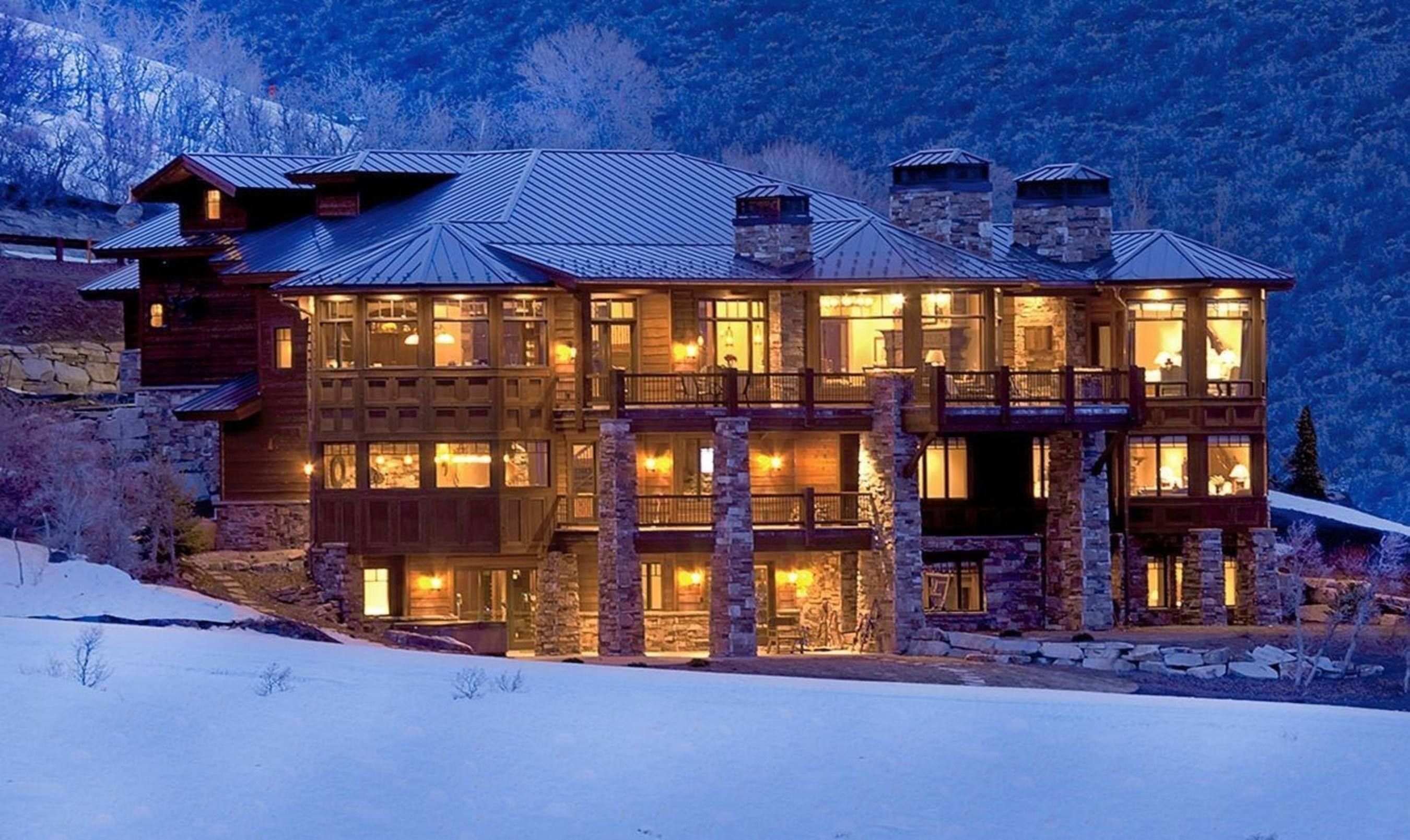 Mountain Retreat Overlooking the Jordanelle Reservoir in North America's #1 Ski Resort Will be Sold at Auction by DeCaro Luxury Auctions