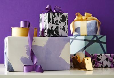 Kelly Wearstler for One Kings Lane Designer Series Gift Wrap. (PRNewsFoto/One Kings Lane) (PRNewsFoto/ONE KINGS LANE)