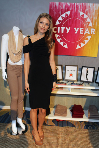 J Brand to Donate Proceeds From Jeans in Three Exclusive Colors to Nonprofit, City Year