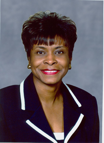 """Mae Douglas, Cox Chief People Officer, to receive NAMIC Mid-Atlantic's inaugural """"Diversity Champion ..."""