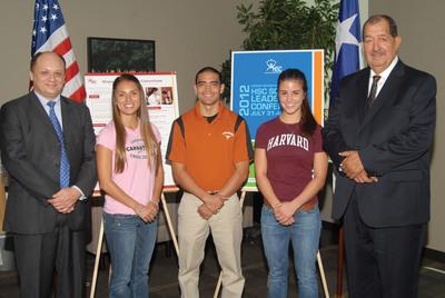 El Hispanic Scholarship Consortium presenta la 2012 HSC Scholar Leadership Conference