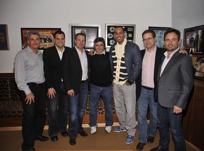 """Celebrated Latin Superstar Anthony """"Romeo"""" Santos Signs to Sony Music"""