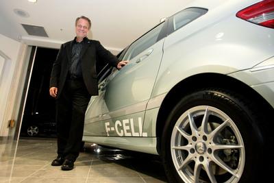 Mercedes delivers first zero-emission F-CELL.  (PRNewsFoto/Mercedes-Benz USA)