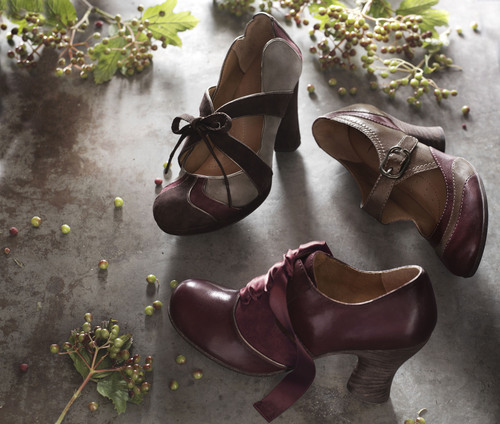 Brown Shoe Introduces Fall 2010 Collection of Naya® Footwear