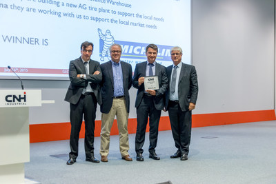 Michelin Agriculture 'Best Supplier' Award from CNH Industrial. From left to right: Sergio CARPENTIERE (CNH Industrial Chief Purchasing Officer), Rich TOBIN (CNH Industrial CEO, Emmanuel LADENT (Michelin AG Division Director),Mark JONES (CNH Industrial, Head of Chemical Commodity- Purchasing)
