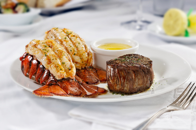 Father's Day Sizzles at Ruth's Chris Steak House (PRNewsFoto/Ruth's Chris Steak House)
