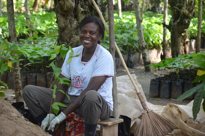 Promoting women's empowerment has been a cross-cutting theme in Mondelez International's Cocoa Life since 2008. (PRNewsFoto/Mondelez International, Inc.)