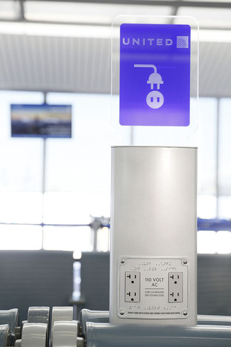 United to install 500 electronics charging stations at airports nationwide.  (PRNewsFoto/United Airlines)