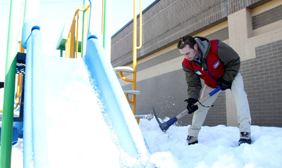 Lowe's Heroes helped a Boston neighborhood dig its way out of its record season of 108.6 inches of snow. The home improvement company's employee volunteers formed a shovel brigade to bring spring to the snow-covered grounds of Leahy-Holloran Community Center.