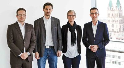 "Innovation Consortium ""Production Intelligence"" (from left to right): Dr. Torsten Sievers (Zeiss OIM); Norbert Saum (Fraunhofer IPM); Daniela Eberl (Fischer IMF); Matthias Kramer (Jedox) (C) Jedox AG"