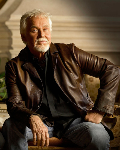 Kenny Rogers at Table Mountain Casino in  Friant, CA on March 19th. Photo Credit (C) Jay Fletcher.  (PRNewsFoto/Table Mountain Casino, Jay Fletcher)