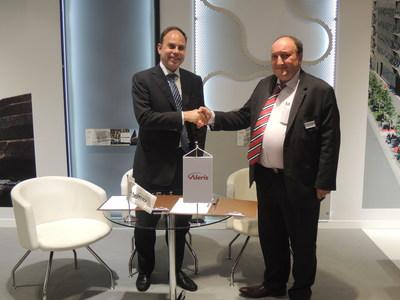 John Baracat, Managing Director Alico/ORASCOM, Right: Alain Dufour, Sales Director Aleris