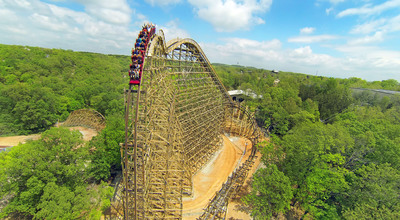 Silver Dollar City's record-breaking wood coaster Outlaw Run wins 'Best New Ride' of 2013 in worldwide 'Golden Ticket' Awards.  (PRNewsFoto/Silver Dollar City Inc.)