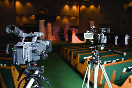 Learn to use multiple cameras when you shoot event videos in a free report from Videomaker.  (PRNewsFoto/Videomaker)