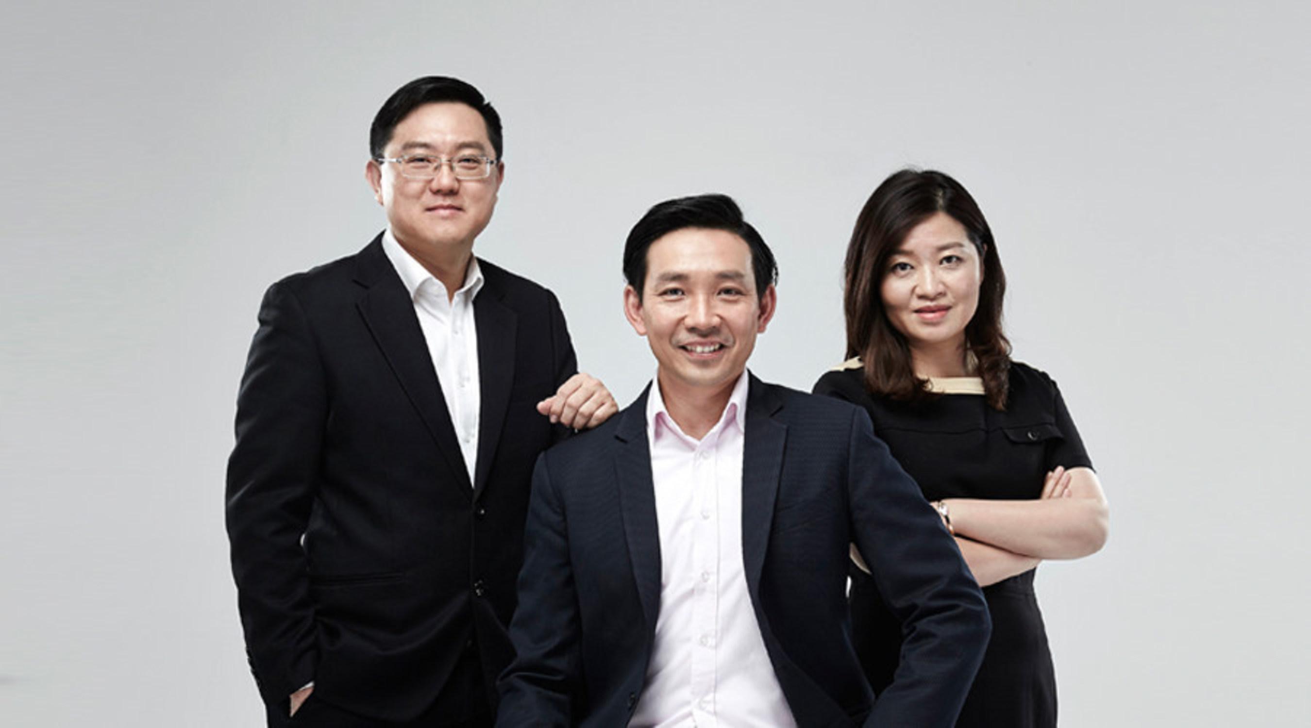 The Arrival of Three Senior Banking Executives