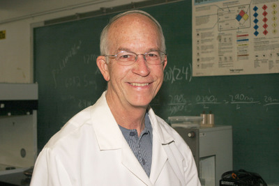 A study by University of Scranton Chemistry Professor Joe Vinson, Ph.D., published in the Royal Society of Chemistry's journal Food and Function, evaluated nine types of raw and roasted nuts and two types of peanut butter to assess the total amount healthful antioxidants, called polyphenols, found in each, as well as the polyphenols' expected ability to inhibit oxidation of lower density lipoproteins.  Walnuts had the highest levels of total antioxidants and the highest quality, or potency, of antioxidants.  (PRNewsFoto/University of Scranton)