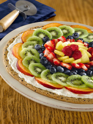 Calling all home bakers! Original recipes using a muffin mix, like this Fruit Pizza, could make you a winner in the 4th Annual Martha White(R) Muffin Mix Challenge(TM). Find this recipe and others at www.marthawhite.com or find us on Facebook.  (PRNewsFoto/Martha White)