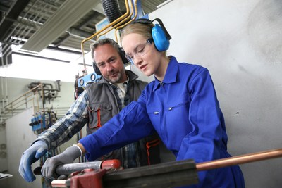 BrassCraft Manufacturing Continues to Help Strengthen the Future of the Plumbing Profession With Apprentice Scholarships (PRNewsFoto/BrassCraft Manufacturing Company)