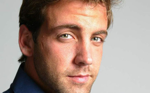 Actor, Singer, Composer, TV Personality Carlos Ponce Named Recipient of Hispanicize 2013 Latinovator Award. ...