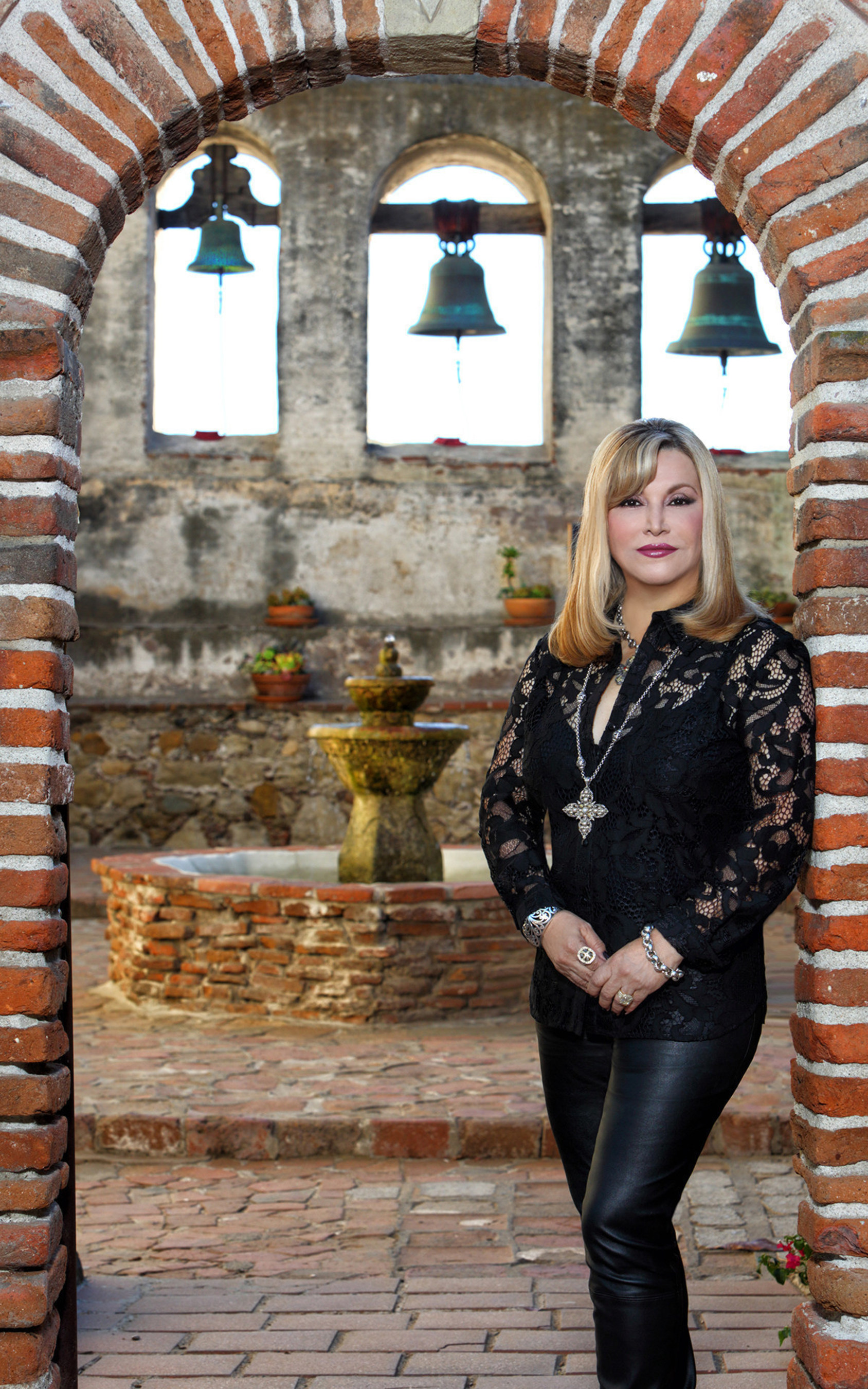 Cecilia Velastegui award-winning Latina author of historical thrillers and bilingual children's fables celebrates a year of book awards.