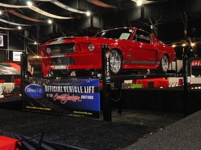 Direct Lift(R) will have a booth at several of the country's biggest auto events this summer, including the Barrett-Jackson Reno Tahoe collector car auction, where it will serve as Exclusive Lift Sponsor. (PRNewsFoto/Direct Lift)