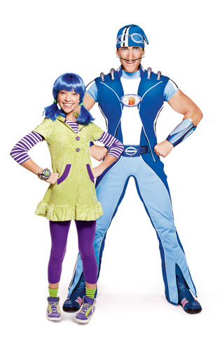 Bean & Sportacus of The Super Sproutlet Show debuting on Sprout Feb. 14 2pm ET.  (PRNewsFoto/PBS KIDS Sprout)