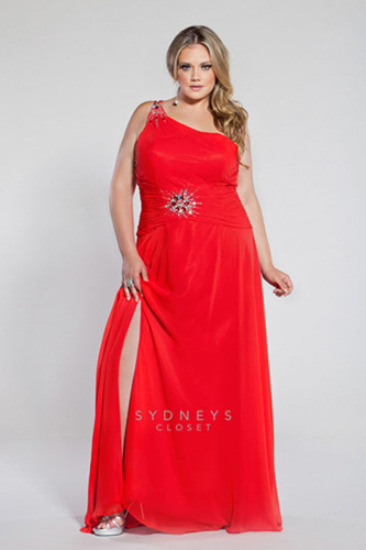 Red dresses in any shades rule for Prom 2013.  Sexy, slit design Style SC7086 by Sydney's Closet for plus sizes 14 to 32.  (PRNewsFoto/Sydney's Closet)