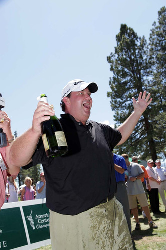 "Actor Brian Baumgartner (from ""The Office"") earned bragging rights, knocking out more than forty all-star athletes, as he blasted his Korbel California Champagne cork 75ft to win the Third Annual Korbel Celebrity Spray-Off.  (PRNewsFoto/Korbel Champagne Cellars)"