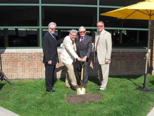 Gary Van Elslander, President, Jim Ellison, Royal Oak Mayor, Art Van Elslander, Chairman, Kim Yost, CEO - Groundbreaking for 10,000 square foot Scott Shuptrine Interiors.  (PRNewsFoto/Art Van Furniture)