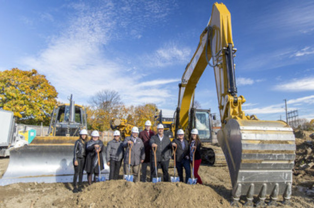 A groundbreaking day in Mississauga with Fortress and Dunsire (CNW Group/Fortress Real Developments)